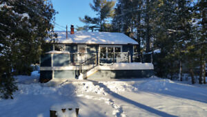 Ice-fishers, Snow-mobilers, Winter-lovers -Cottage rental!