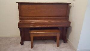 Upright piano Mason and Risch