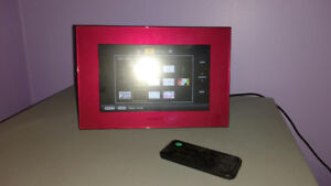 Sony 7 inch  Digital Photo Frame with charger and remote