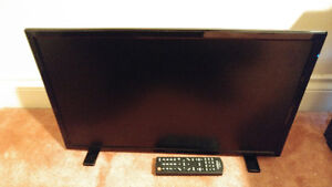 24 inch Insignia LED TV (NS-24D510NA15)