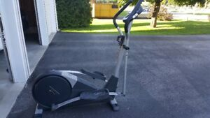 Freestyle Cardio Cross Trainer 800