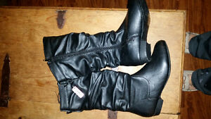 Women's boots- size 6