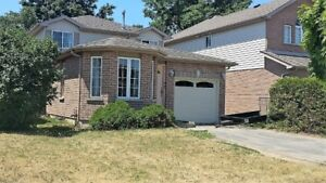 BARRIE SOUTH END  3 BEDROOM DETACHED HOME