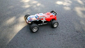 2 hobby grade rc cars for sale.totally ready to run.