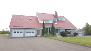 BEAUTIFUL & SPACIOUS HOUSE WITH VIEW ON THE TRACADIE RIVER