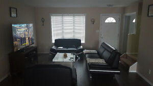 TOWNHOUSE SK SIDE $1175 (MAY RENT FREE!!!)