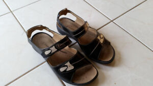 Black Leather Sandals - Size: 9.5