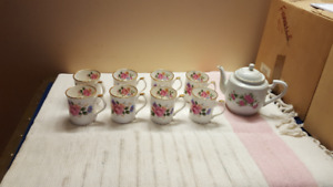Coffee set cups and pot