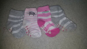 Socks  for naby girl 1 year old  all for 50 cents