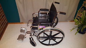 Wheelchair - Fauteuil roulant