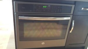 GE ELECTRIC SELF CLEANING CONVECTION SINGLE WALL OVEN