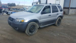2007 Ford Escape - 197k, 4x4, solid, drive it home!