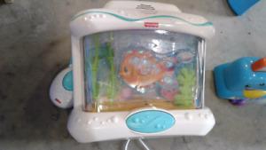 Aquarium crib toy