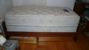 WOOD BED FRAME & DRAWERS