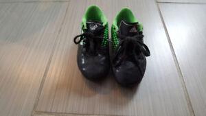 Chaussure de soccer Adidas 12 avec  bas et pad
