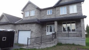 HOUSE - Immediate Availability / AGENT WELCOME /FURNISHED house