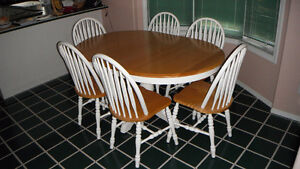 Maple Pedestal Dinette Set with 6 Chairs