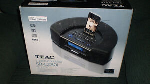 Teac stereo cd. in box  with i-pod,  i phone connection