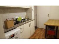 Single Room/ Balcony/Bethnal Green