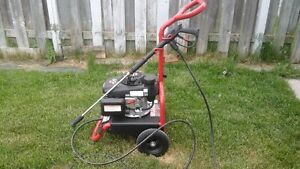 LAVEUSE A PRESSION POWER WASHER HONDA
