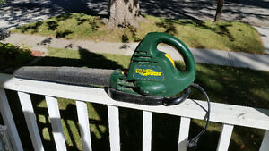 YARDWORKS ELECTRIC BLOWER/VAC WITH BAG $25