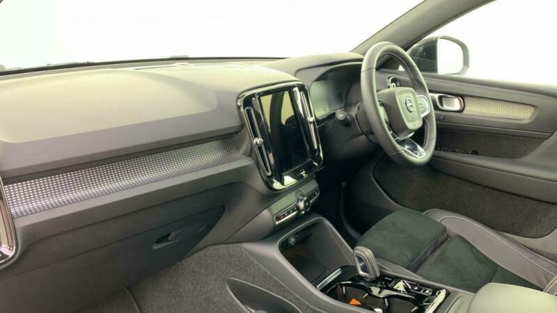 2021 Volvo XC40 T3 R-DESIGN PRO Auto Estate Petrol Automatic