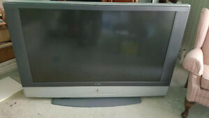 "Old Top of Line High Def Sony 60"" LCD Projection TV"