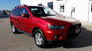 2010 Mitsubishi Outlander AWC, V6, 7 pass. Accident free!