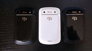 Blackberry Bold 9900 (4x Phones ; 2 Black / 2 White)