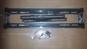 TV WALL MOUNT FOR SALE / CONSOLE MURALE POUR TV