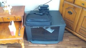 Tv / vcr cabinet with glass doors