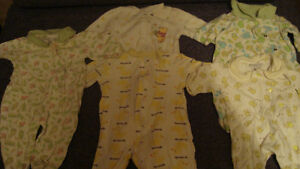 BABY CLOTHES newborn onesies/pants/sleepers Kitchener / Waterloo Kitchener Area image 6