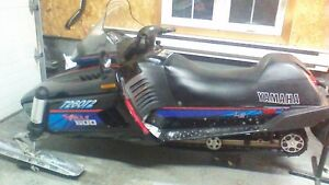 1995 yamaha vmax  600  with reverse and electric start $1350