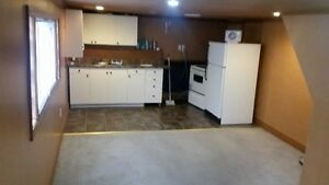 1 Bedroom Suite ... vacant ,,  sw hilll area