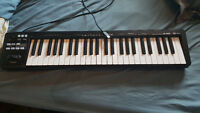 Keyboard clavier piano Roland A-49 noir