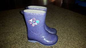 Size 8 Purple Toddler Rubber Boots $12 Firm.