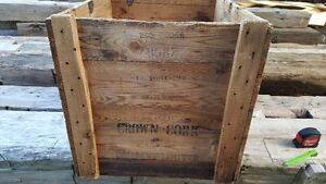 Antique wood box / crate Kitchener / Waterloo Kitchener Area image 2