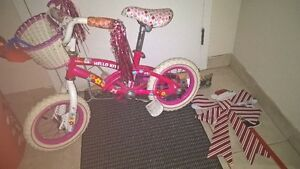 Girls Bike hello kitty 12""