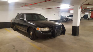 2004 Ford Crown Victoria Interceptor Sedan