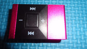 BRAND NEW MP3/MP4 PLAYER UP TO 32GB SD CARD MICRO