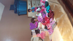 DOLLS AND ACCESSORIES LOT