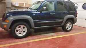 REDUCED PRICE - 2005 Jeep Liberty Sport - 6 speed manual