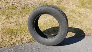 20 inch tire P275/60/20 AT KELLY