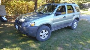 2005 Ford Escape XLT  4X4 SUV, Crossover