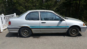 1991 Toyota Tercel Moteur & Boute Aut. en excellentes conditions