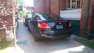Honda Accord 2006 2dr (2 sets of rims)