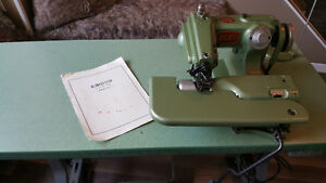 Benz Industrial Blind Hemmer with Table