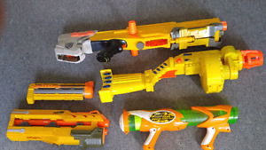 3 nerf guns and 2 attachments. Good condition
