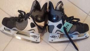 CCM 1052 Custom Lite Tacks Hockey Skate - Size 4.5