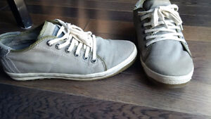 Jump Men's Casual Shoes - size 8.5